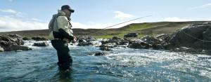 Fisker etter laks med Kvalvik Bait